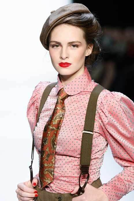 Suspender with patterned top or shirt